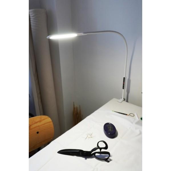 Lampe d'atelier / machine à coudre